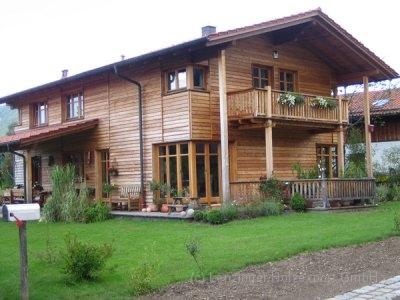 Holzhaus_Laerche-.jpg